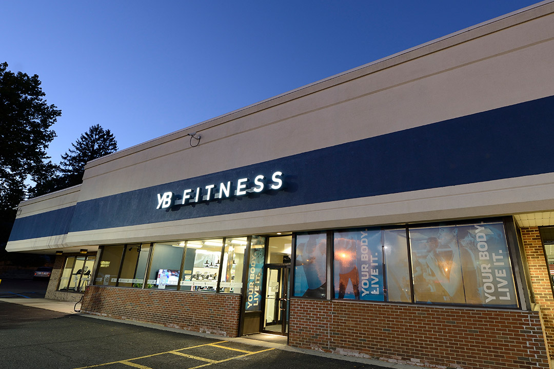 yb-fitness-exterior-signage